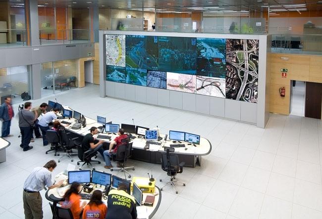 1 eyevis command center.jpg