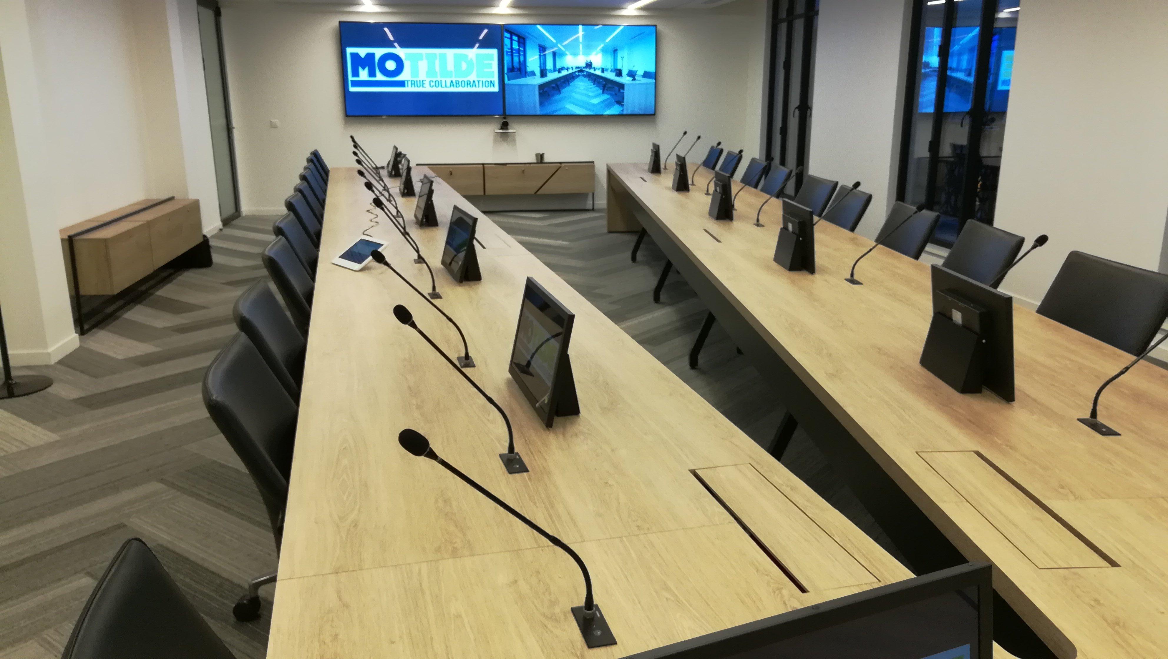salle de réunion collaborative ergonomique avec technologie