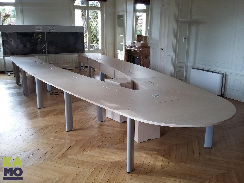 700255 Table de réunion  22P - FRENE BLANC EBENISTERIE - TA - TOTEM