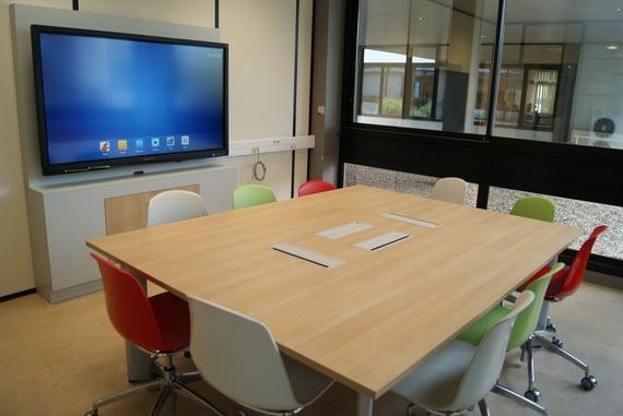 salle de réunion collaborative simple