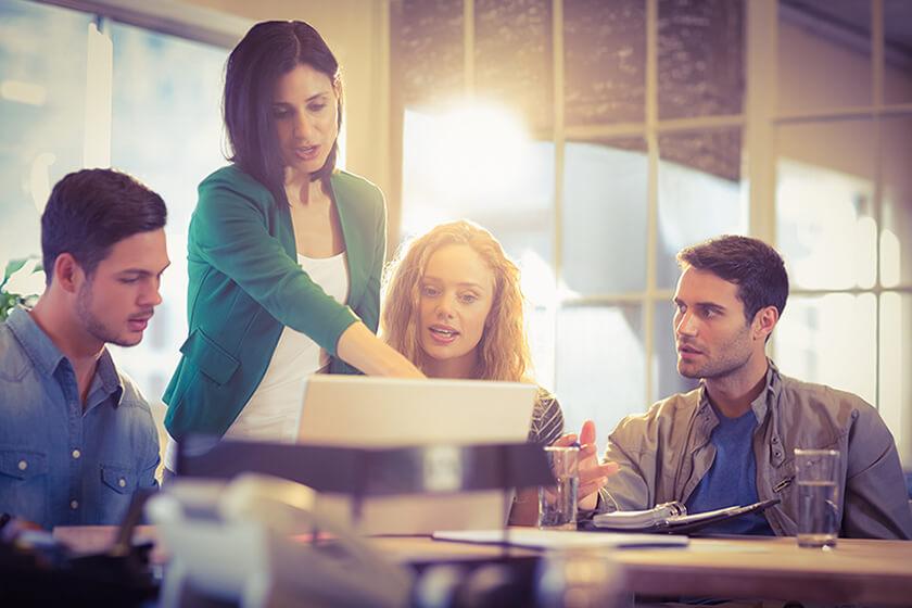 Pourquoi lier outils, espaces et canaux de collaboration en entreprise